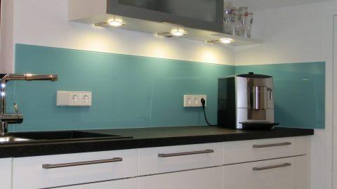 Häufig Küchenrückwand ESG grün lackiert mehrteilig PFOMÄU – BRAUN Glas LR98